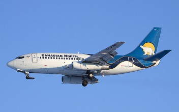 Canadian North Boeing 737-200